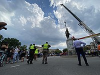Stonewall Jackson statue in Richmond, Virginia being removed on July 1, 2020