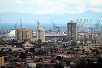 View from Signal Hill to Villa Riviera and port cranes (ca. 2009)