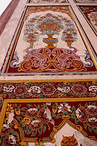 An example of Badshahi Mosque's intricate decoration.