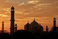 Silhouette of the mosque's architectural elements
