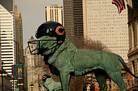 The Art Institute of Chicago's lions were decorated to show support for the Chicago Bears.