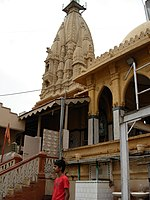 The Swaminarayan Temple is the largest Hindu temple in Karachi.
