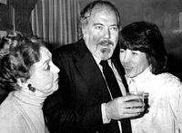 Altman with Lillian Gish and Lily Tomlin at Nashville awards ceremony in 1976