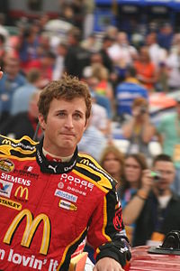 Kasey Kahne won the pole position, after having the fastest time of 30.920 seconds.