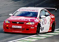 Jason Plato driving a modified Vauxhall Astra in the 2001 British Touring Car Championship