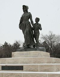 The Pioneer Woman statue in Ponca City, by Bryant Baker (1930)