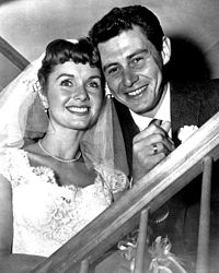 Debbie Reynolds and Fisher at their wedding, 1955