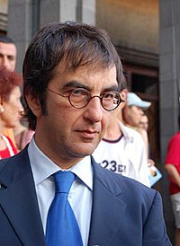 Director Atom Egoyan adapted Russell Banks' novel The Sweet Hereafter and incorporated The Pied Piper of Hamelin.