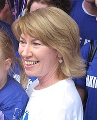 Former Lateline host Maxine McKew won a seat in federal parliament in the 2007 and served for one term.
