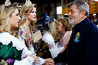 Former president of Brazil Lula and members of the Italian Brazilian community during the Grape Festival at Caxias do Sul