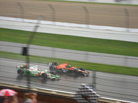 Kanaan congratulating teammate and friend Dario Franchitti after he won the 2007 Indianapolis 500