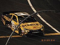 Carl Edwards made an unscheduled stop from the lead on lap 352 for a flat tire.