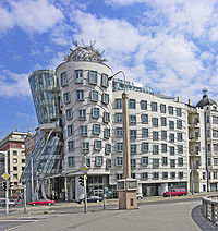 Milunić's and Gehry's Dancing House