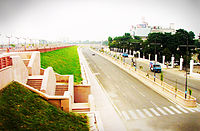 The roads of Lucknow (Gomti Nagar in picture)
