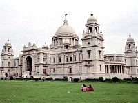Victoria Memorial, a specimen of British Indian architecture, which incorporated European gothic, Persian saracenic and traditional Indian architecture.