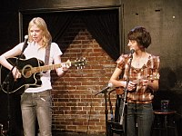 Lindhome performing as Garfunkel and Oates with Kate Micucci in 2009