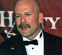 Willis after a ceremony where he was named Hasty Pudding Theatrical's Man of the Year in 2002