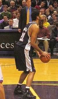 Duncan at the free throw line in 2005
