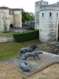 Wire lion sculptures at the tower, Kendra Haste