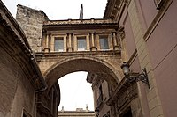 One of the few arch-bridges that links the cathedral with neighboring buildings. This one built in 1666.