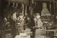 Child laborers in glassworks, by Lewis Hine. Indiana, August 1908.