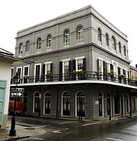 The LaLaurie Mansion in New Orleans was purchased anonymously by Cage in 2007 and sold in 2009.