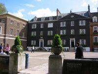 Rigaud's House (far right), Grant's House (right), residence of the Master of the Queen's Scholars (centre), College (far left, top floors) and the Houses of Wren's and Dryden's (far left, ground floor)