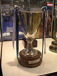 The trophy awarded to Real Zaragoza in 1995.