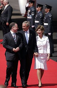 First Minister Jack McConnell welcomes President of the United States George W. Bush to Glasgow Prestwick Airport at the start of the G8 Summit in July 2005