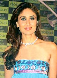 Kapoor at an event for Globus in 2008