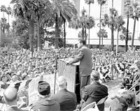 Crowd gathered for a campaign speech from Richard Nixon in Hemming Park, in October 1960