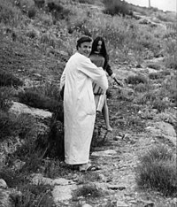 Zeffirelli with Olivia Hussey while filming Romeo and Juliet in 1967