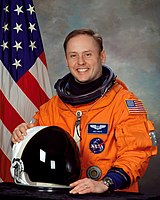 """Astronaut and USAF Colonel E. Michael """"Mike"""" Fincke, SB 1989 (MIT Department of Aeronautics and Astronautics), SB 1989 (MIT Department of Earth, Atmospheric and Planetary Sciences)"""