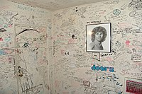 Los Angeles motel room where Morrison lived between 1968 and 1970; currently covered in graffiti from his fans.