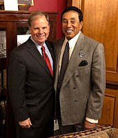 Robinson with Senator Doug Jones while testifying at the United States Congress to support the CLASSICS Act in 2018.