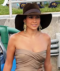 Lopez arriving at the MTV Video Music Awards, August 2004