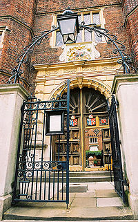 The gate of Abbot's Hospital, Guildford