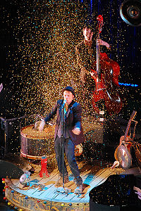 Tom Waits performing in Prague in 2008 as part of his Glitter and Doom tour