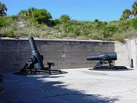 Battery and guns at Fort De Soto