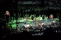 """Weinberg behind the drums as """"Radio Nowhere"""" opens the Magic Tour at Hartford Civic Center in 2007."""