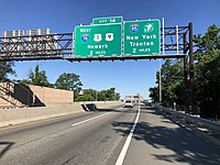 View west along I-78 (New Jersey Turnpike Newark Bay Extension) in Bayonne