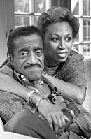Davis with his third wife, Altovise Gore, in 1987