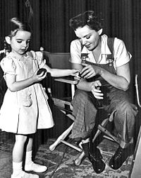 Minnelli with her mother on the set of Summer Stock in 1950